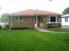 345 Brice Ave, Mundelein, IL 60060