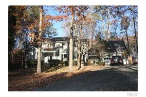 16 Wedgewood Ct, Chapel Hill, NC 27514