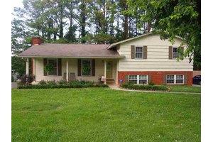 1859 Oak St, Morristown, TN 37813