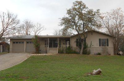910 Redbud Ln, Kerrville, TX