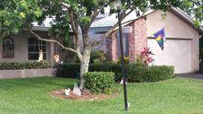 22390 Cameo Dr E, Boca Raton, FL 33433
