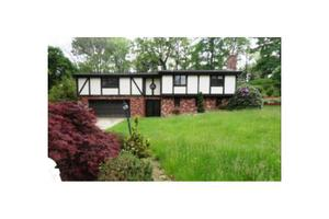 1076 Elizabeth Dr, Peters Twp, PA 15317