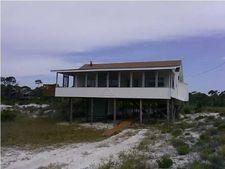 393 Gulf Shore Dr, Carrabelle, FL 32322