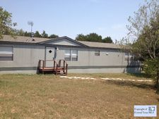 330 Dewey Ln, Seguin, TX 78155