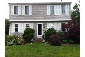 19 Child Ln, Warwick, RI 02886