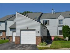 729 Gordon Cir, St Clair Shores, MI 48081