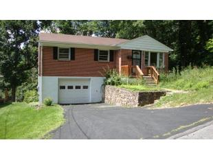 1604 Whitethorn Street Ext Bluefield Wv 24701 Public
