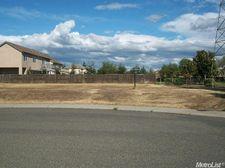 738 Shadowbrook Ln, Manteca, CA 95336
