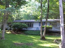 40 Indian Trl, Penn Forest Township, PA 18229