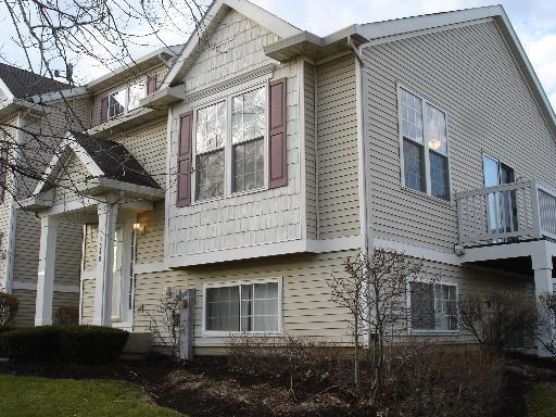 home for rent 3040 woodside dr joliet il 60431. Black Bedroom Furniture Sets. Home Design Ideas