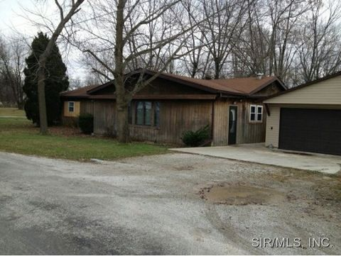 218 Carrie St, Taylor Springs, IL 62089