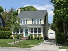 55 Meadow St, Garden City, NY 11530