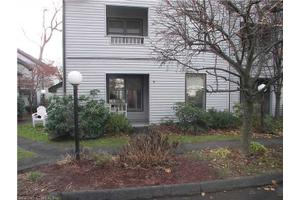 20 Raymond Pl Unit 9, Danbury, CT 06810
