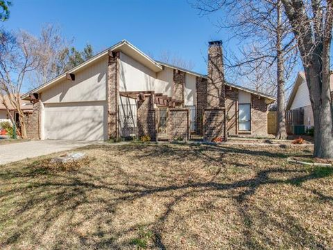 1118 Meandering Way, Garland, TX 75040
