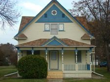 215 Mitchell Ave S, Steele, ND 58482