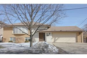 1107 N 13th Ave, Melrose Park, IL 60160