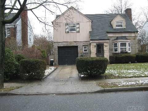 360 Church Ave Woodmere, NY 11598