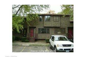 56 Towne House Rd, Hamden, CT 06514