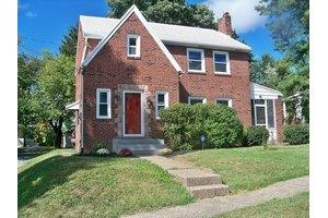 1322 Cumberland St, Harrisburg, PA 17103