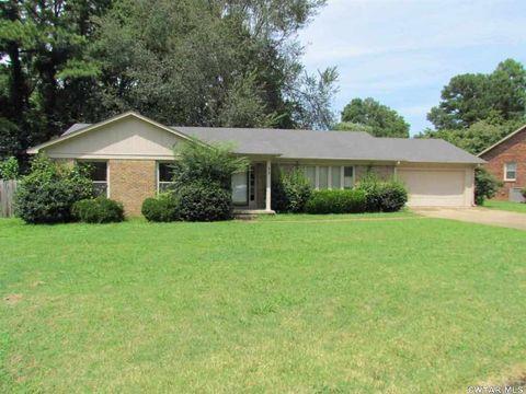 Photo of 75 Powell Cv, Jackson, TN 38305