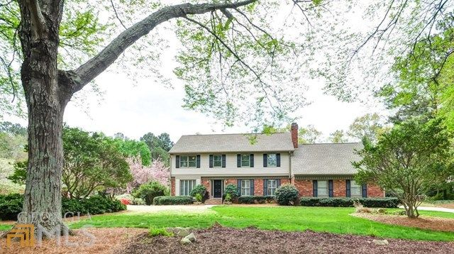 220 Waverly Hall Dr Roswell, GA 30075