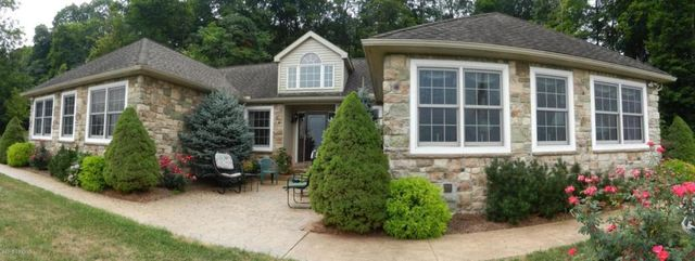 69 E Maple St Mifflinburg Pa 17844 Home For Sale And Real Estate Listing
