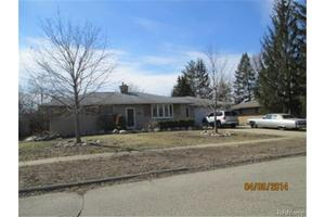 3717 Embarcadero St, Waterford Twp, MI 48329
