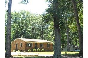 2174 Mountain View Rd, Powhatan, VA 23139