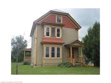 28 Fort Hill St, Fort Fairfield, ME 04742