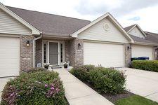 9406 Saratoga Ct, Hickory Hills, IL 60457