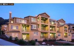 6492 Bayview Dr, Oakland, CA 94605