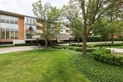 1301 N Western Ave Unit 110, Lake Forest, IL 60045