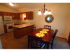 916 Lawnview Ave, Shoreview, MN 55126