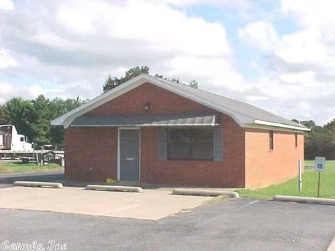 1703 W Center St, Beebe, AR 72012