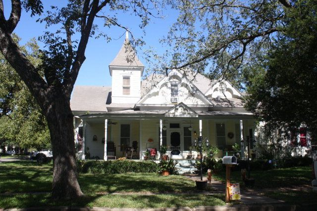 101 coke st yoakum tx 77995 home for sale and real