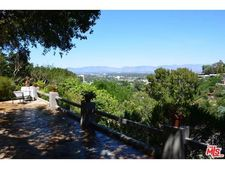 14840 Round Valley Dr, Sherman Oaks, CA 91403