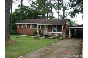 833 Newcombe Rd, Raleigh, NC 27610