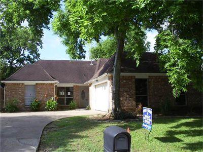 13819 Walnut Hollow Ln, Houston, TX