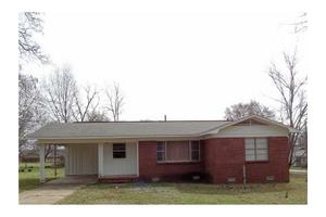 704 Church Ave, Mulberry, AR 72947