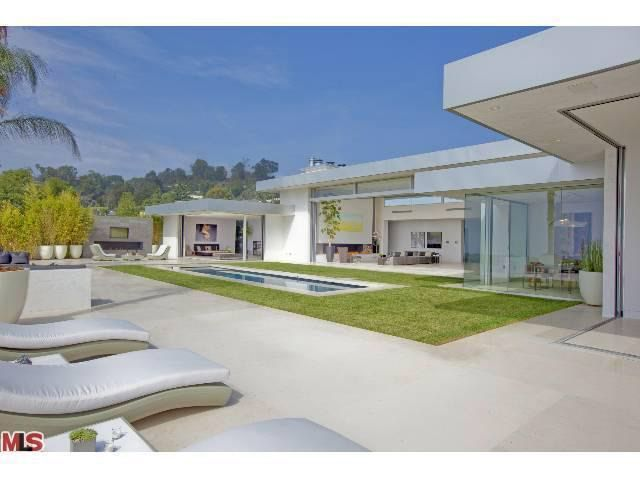 9649 lawlen way beverly hills ca 90210 for Beach house designs usa