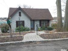 25 Fairchild St, Huntington, NY 11743