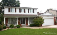 1106 Hollywood Ave, Grosse Pointe Woods, MI 48236
