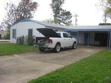 165 Alamo St, Lone Star, TX 75668