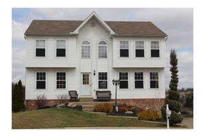 408 Bluefield Dr, Collier Township, PA 15071