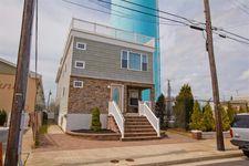 100 W Myrtle Rd, Wildwood Crest, NJ 08260
