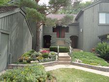 331 Oak Hill Rd Apt A, Barrington, IL 60010