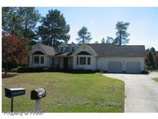 645 Foxlair Dr, Fayetteville, NC 28311
