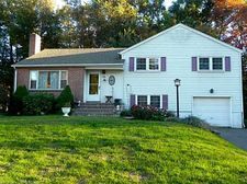 15 Carlyle Rd, West Hartford, CT 06117