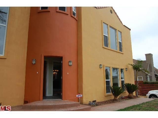 1300 Meadowbrook Ave Los Angeles Ca 90019 Realtorcom