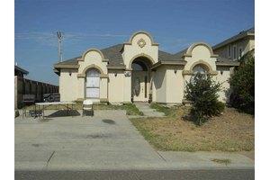 1602 Texoma St, Laredo, TX 78046